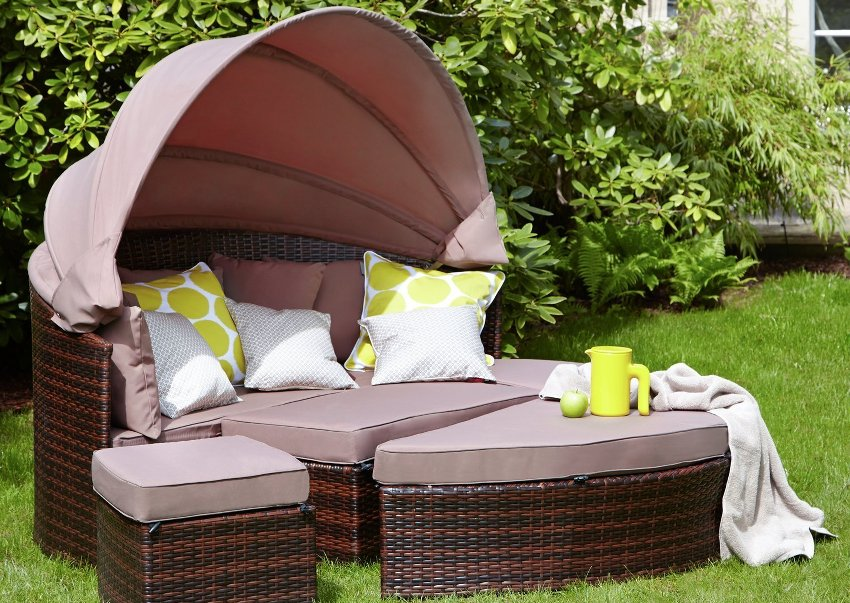 juli 2019 rattan sonneninsel mit dach infos. Black Bedroom Furniture Sets. Home Design Ideas